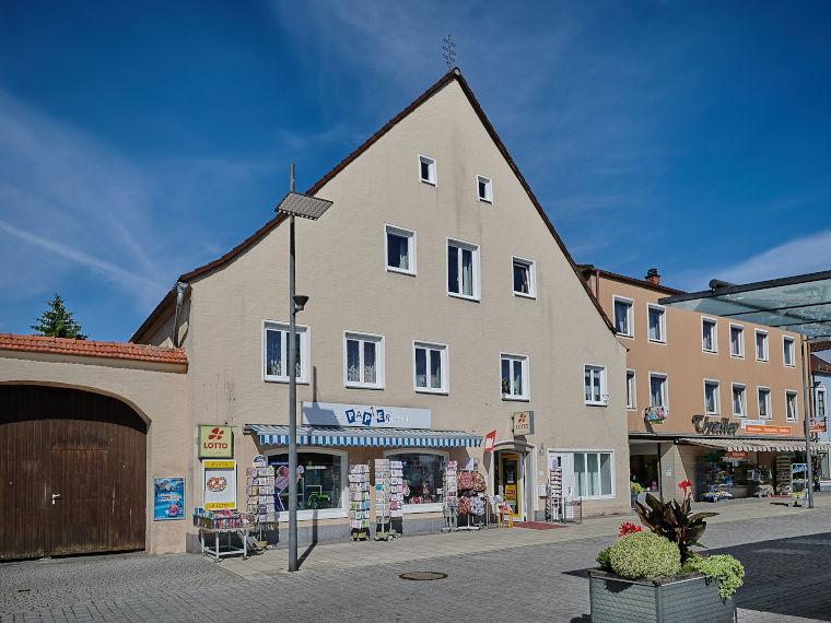 Außenansicht des Papierhaus Thaller in Pilsting